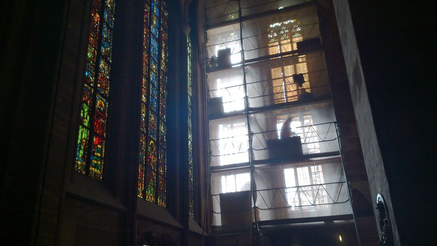 en cours d'installation à la cathédrale de Starsbourg