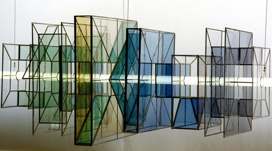 Transparence en équilibre / vitrail dans l'espace (240x75cm)