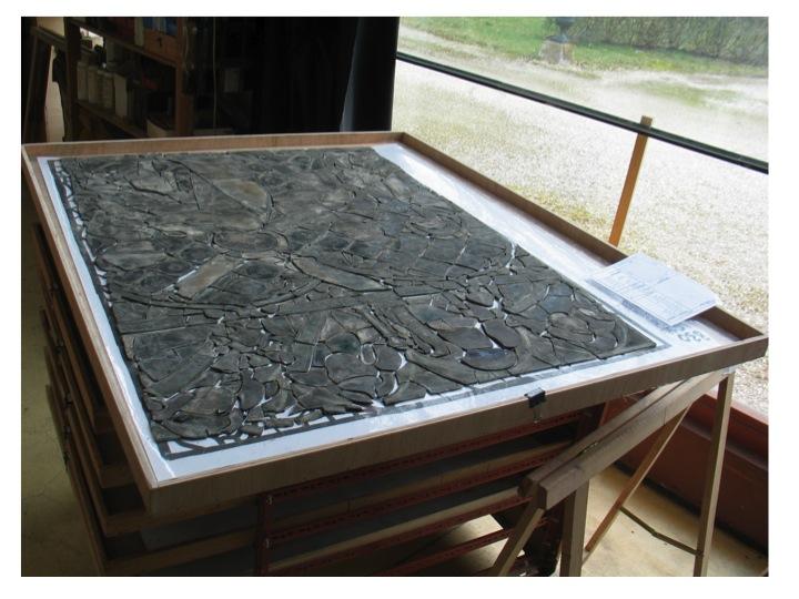 Mise en plateau du vitrail ancien